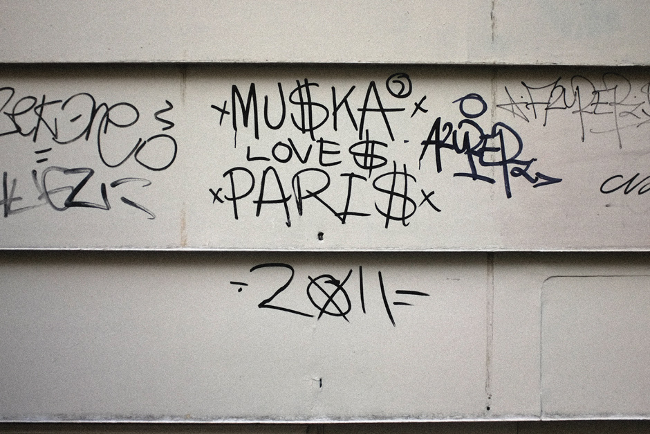 Muska loves Paris
