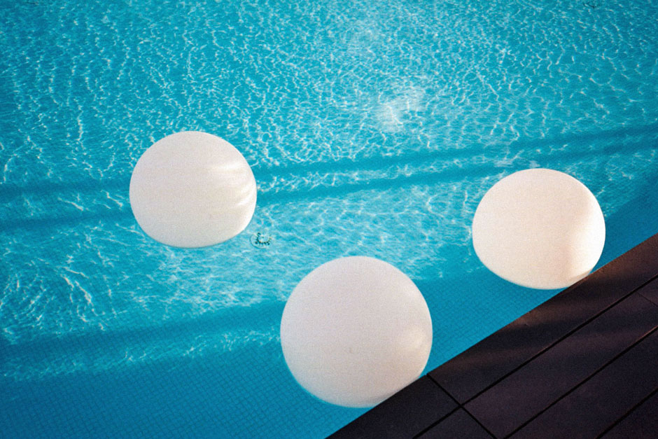 Swimming boules