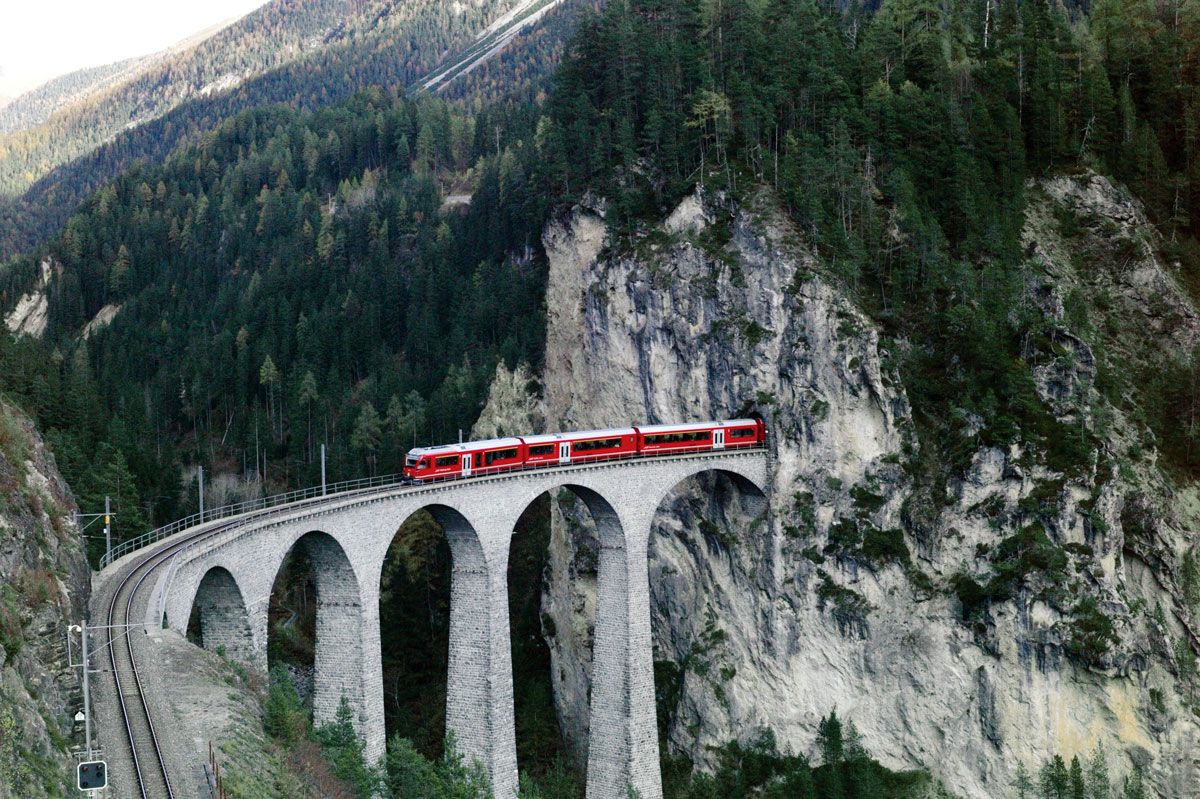 Mountain Train Ilk Flottante
